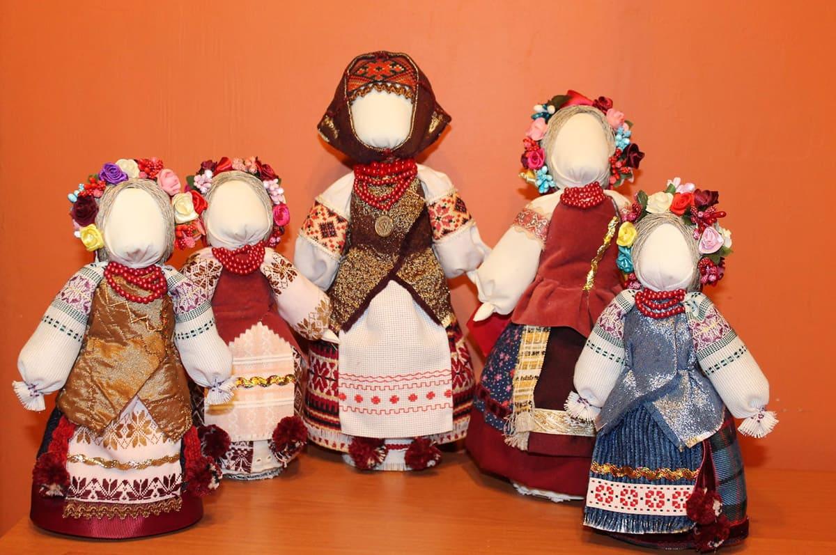 Авторські ляльки. Лялька-тарахкальце з сіллю