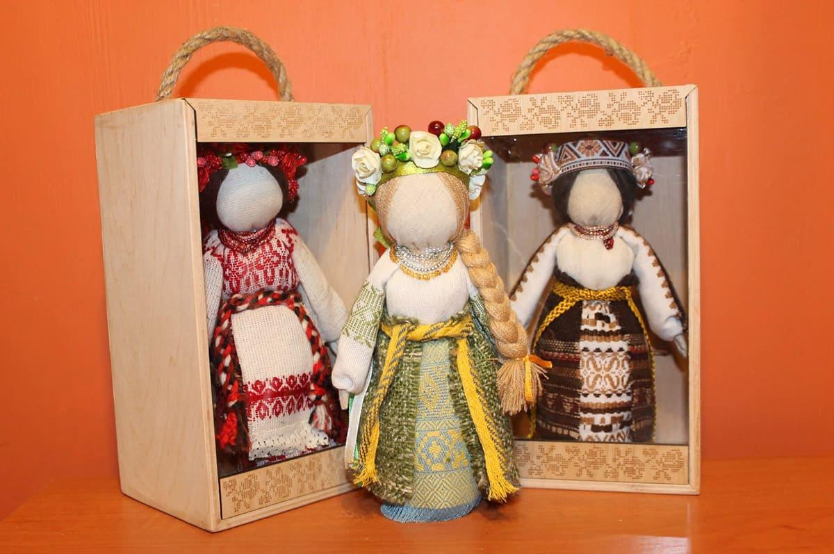 Авторські ляльки. Подарунковий набір «Авторська лялька-тарахкальце з сіллю»